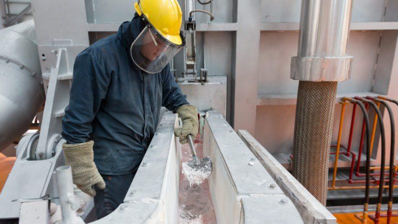 """Aluminio """"ecológico"""": ¿La solución de Apple a su huella de carbono?"""