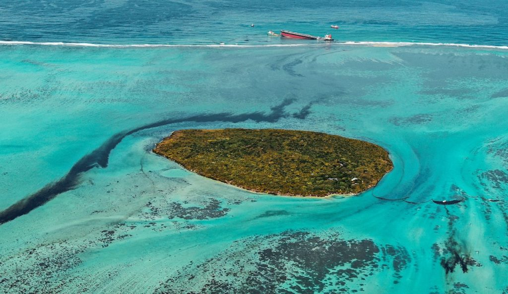 vertido Islas Mauricio