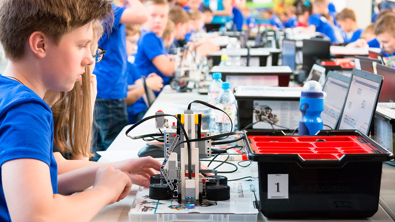 Bielorrusia apuesta por el sector de la tecnología desde la niñez. El talento local para las matemáticas ha sido una imán para empresas extranjeras | Foto: Shutterstock