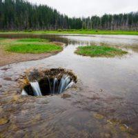 El lago que desaparece y reaparece cada año