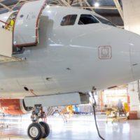 Repsol produce combustible de aviones con un 5% de biofuel