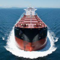La Eurocámara pide que las navieras entren en el mercado de emisiones