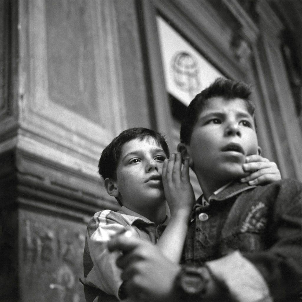 Nápoles, barrio Forcella, 2000. De la serie NORAY.   Foto: Juan Valbuena