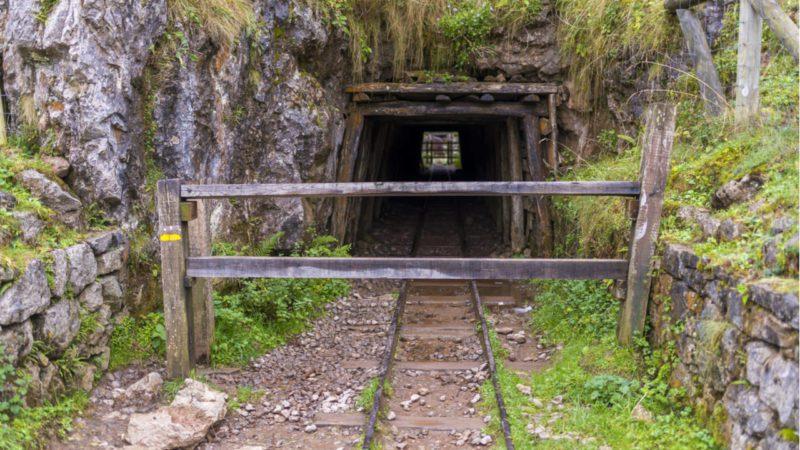 Colaboración público-privada para restaurar zonas mineras