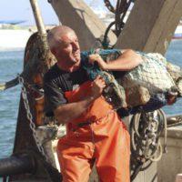Ecopuertos, la alianza local que limpia el mar de residuos