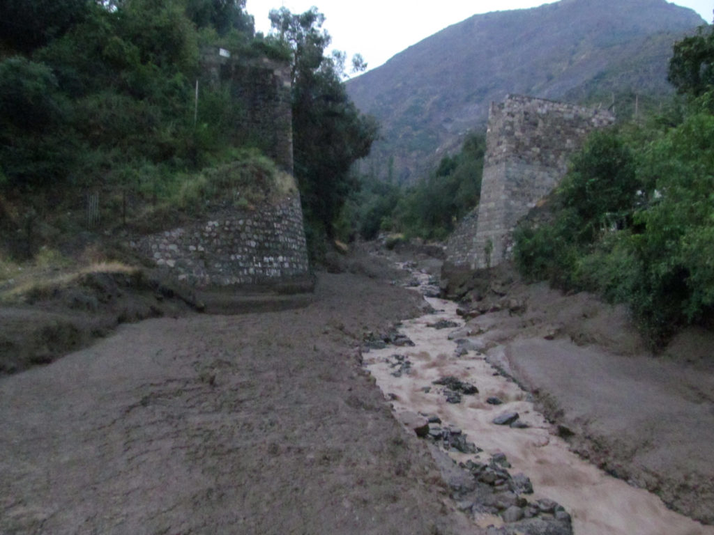 Episodio de aluvión en el río Maipo que el cambio climático está haciendo cada vez más frecuente