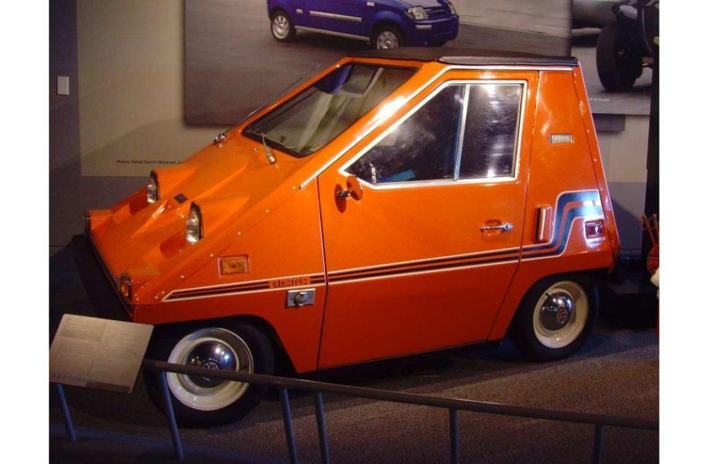Sebring Citicar, coche eléctrico de los años 70 que tenía una velocidad punta de 65 kilómetros hora.