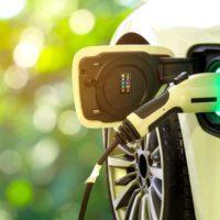 Los coches eléctricos gastan cientos de veces menos materiales que los tradicionales