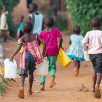 """La falta de acceso al agua potable es un """"fracaso moral"""" para la ONU"""