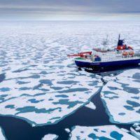 Las fibras de poliéster de la ropa llegan hasta el Ártico
