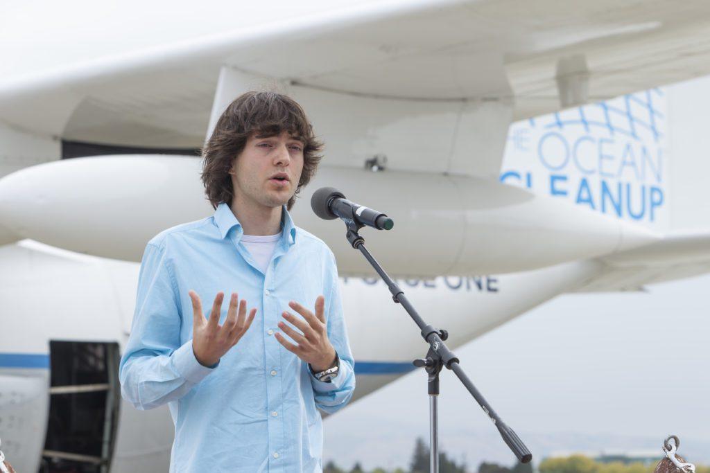 El joven inventor y activista ambiental Boyan Slat, que abandera una iniciativa para limpiar de plástico los océanos.