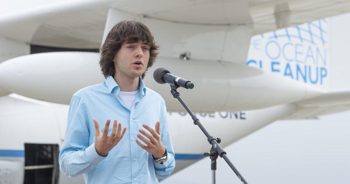 Boyan Slat, el joven inventor que limpia de plástico los océanos