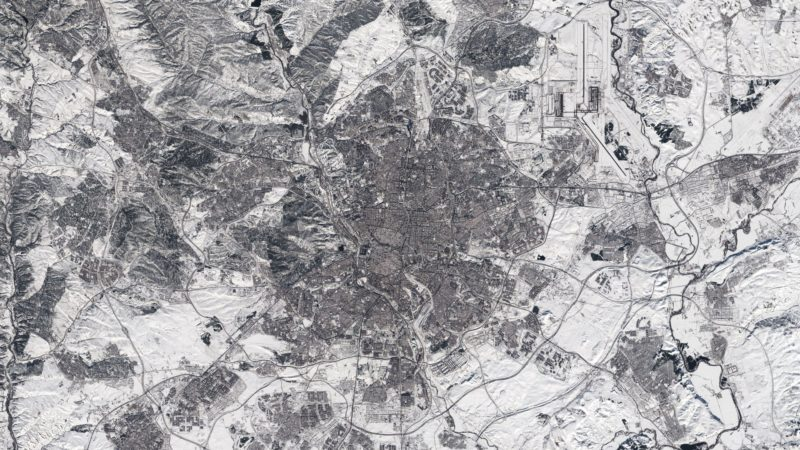 Madrid se ve en blanco y negro desde el espacio