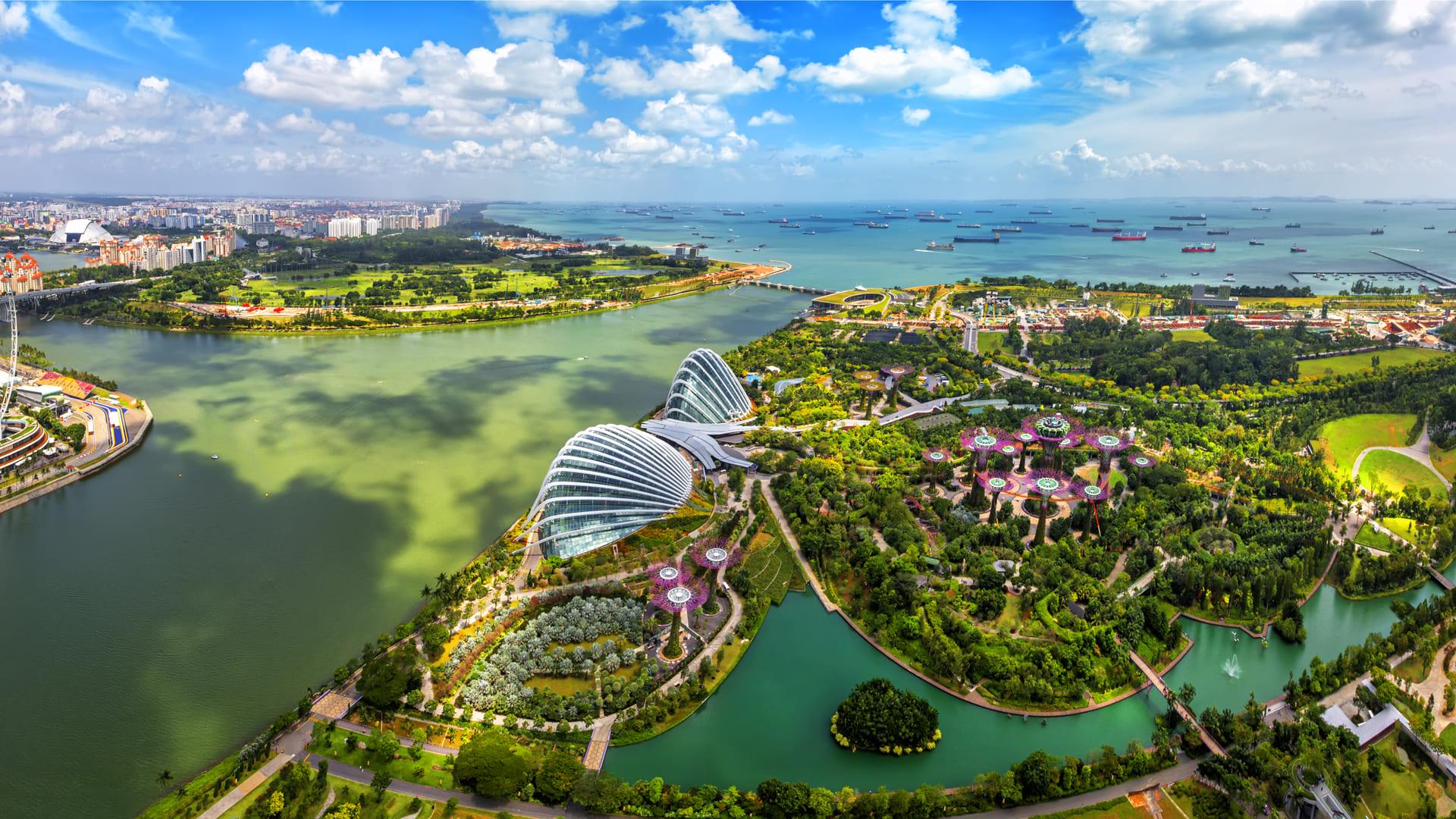 Singapur-una-ciudad-mimetizada-con-el-verde-y-la-sostenibilidad