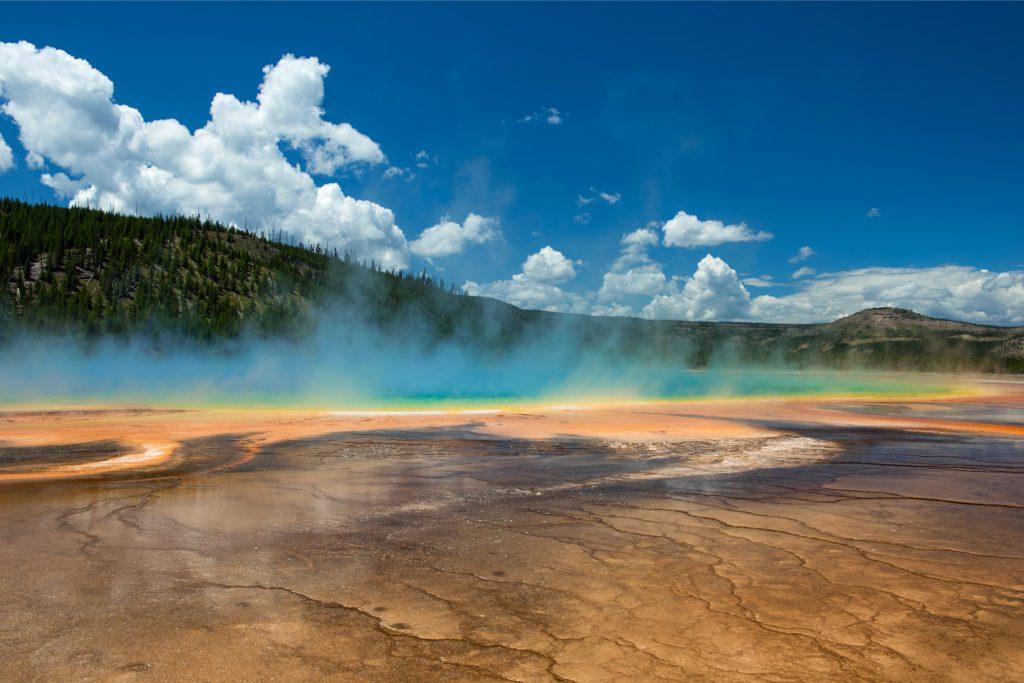 Zona de Yellowstone en la que se encuentra el mayor géiser del mundo, conocido como Steamboat. | FOTO: Ingo 70