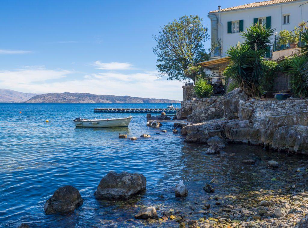 La casa de la familia Durrell en la isla griega de Corfú.   FOTO: Kristyna Henkeova