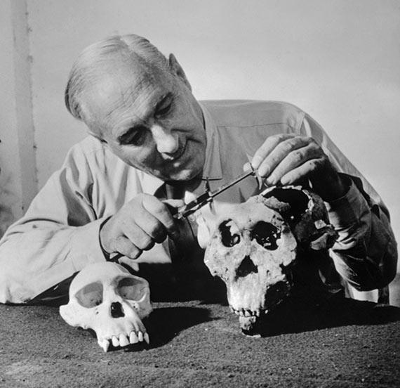 El antropólogo británico Louis Leakey, mentor de Dian Fossey.