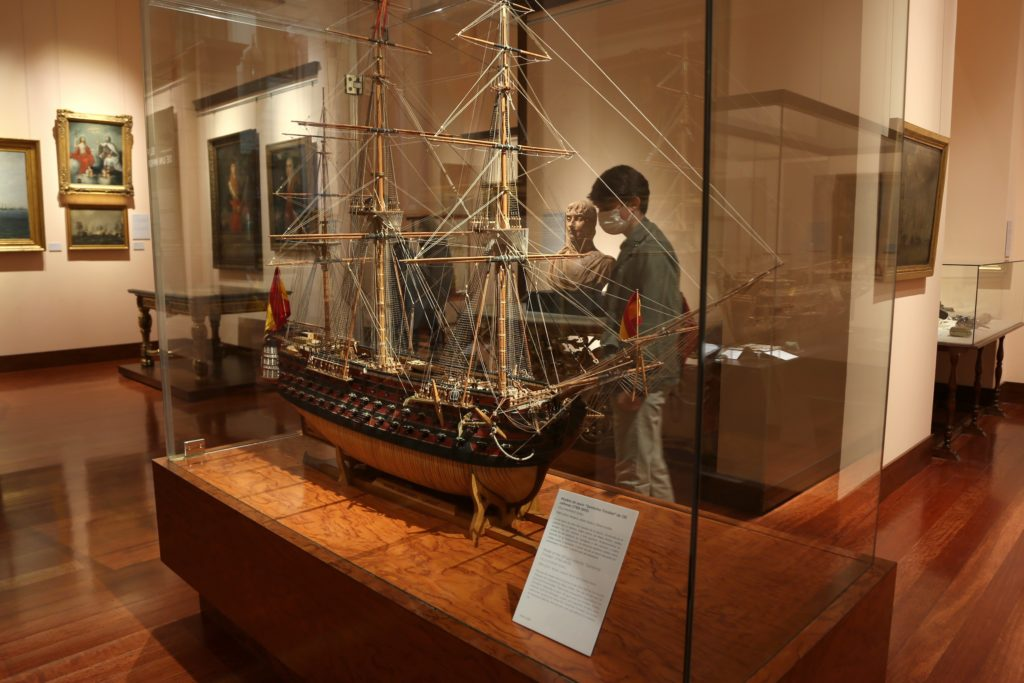 Modelo de una de las naves expuestas en el interior del museo. | Crédito: Museo Naval