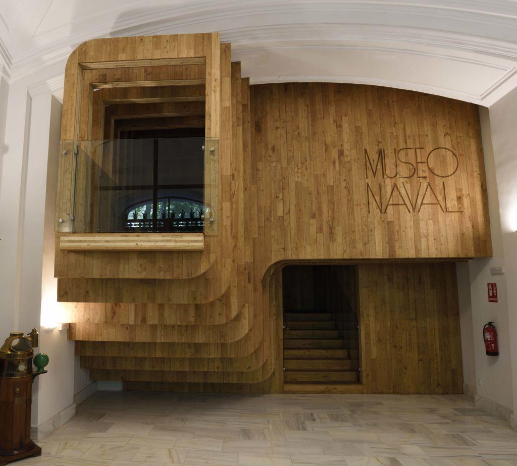 Vista de la nueva entrada del céntrico museo, que imita las cuadernas de un barco en construcción. | Crédito: Museo Naval