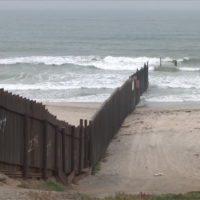 'Coyote': el extremo occidental del muro entre EEUU y México