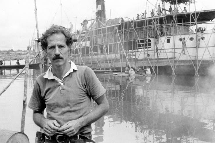 El director de cine Werner Herzog, durante el rodaje de la mítica película Fitzcarraldo en la selva amazónica.