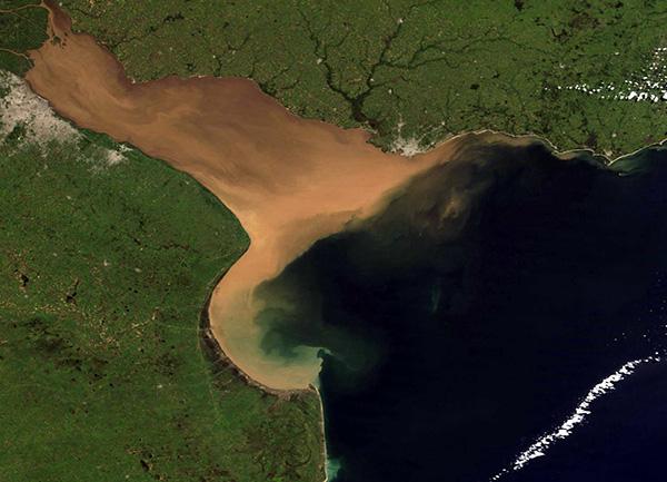 El estuario del Río de la Plata a vista de satélite.   Crédito: Ana Dogliotti