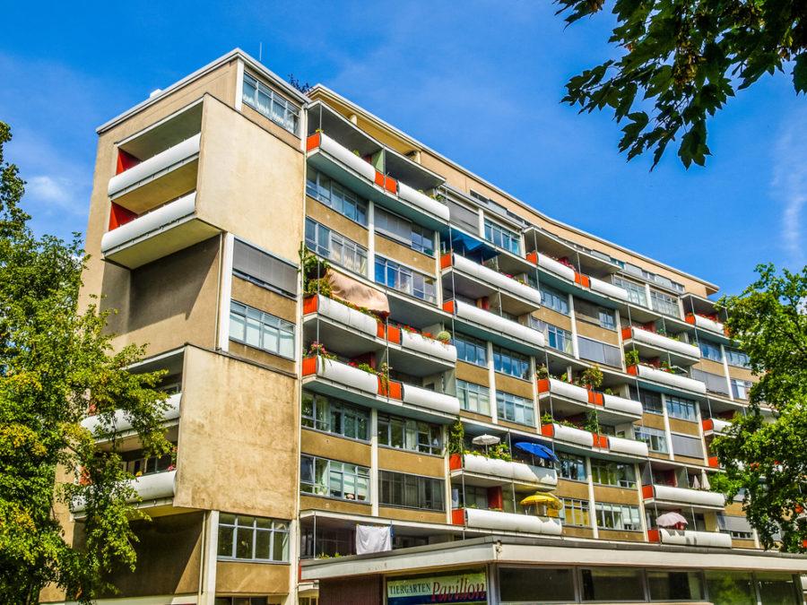 Una vista de las casas del barrio de la Hansa, en Berlín, levantadas en 1957 y donde Alvar Aalto trabajó junto a Walter Gropius y Oscar Niemeyer FOTO Claudio Divizia
