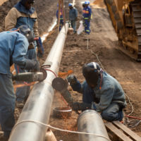 La construcción de gasoductos, un derroche de 1 billón de dólares