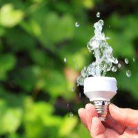 El agua que nos ilumina y nos mueve