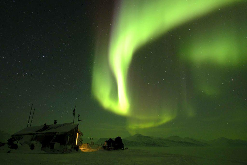 Desde el archipiélago Svalbard se contemplan las auroras boreales sin ningún tipo de contaminación lumínica.   FOTO: Hearts in The Ice