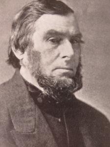 El marino y capitán de barcos balleneros William Whitfield