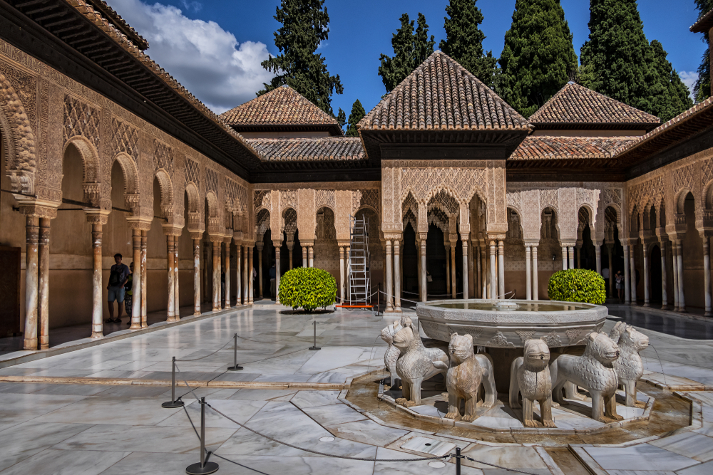Fuente de Los Leones en la Alhambra granadina. | FOTO: Victor Kiev