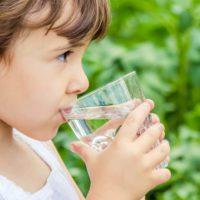 El cuerpo humano evolucionó para necesitar menos agua