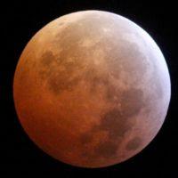 Una superluna de sangre recorre el planeta