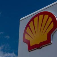 Una sentencia histórica obliga a Shell a reducir sus emisiones a la mitad