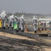Un vertido químico provoca la mayor crisis ecológica de Sri Lanka