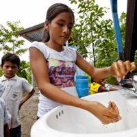 La colaboración lleva agua y saneamiento a la Amazonía peruana