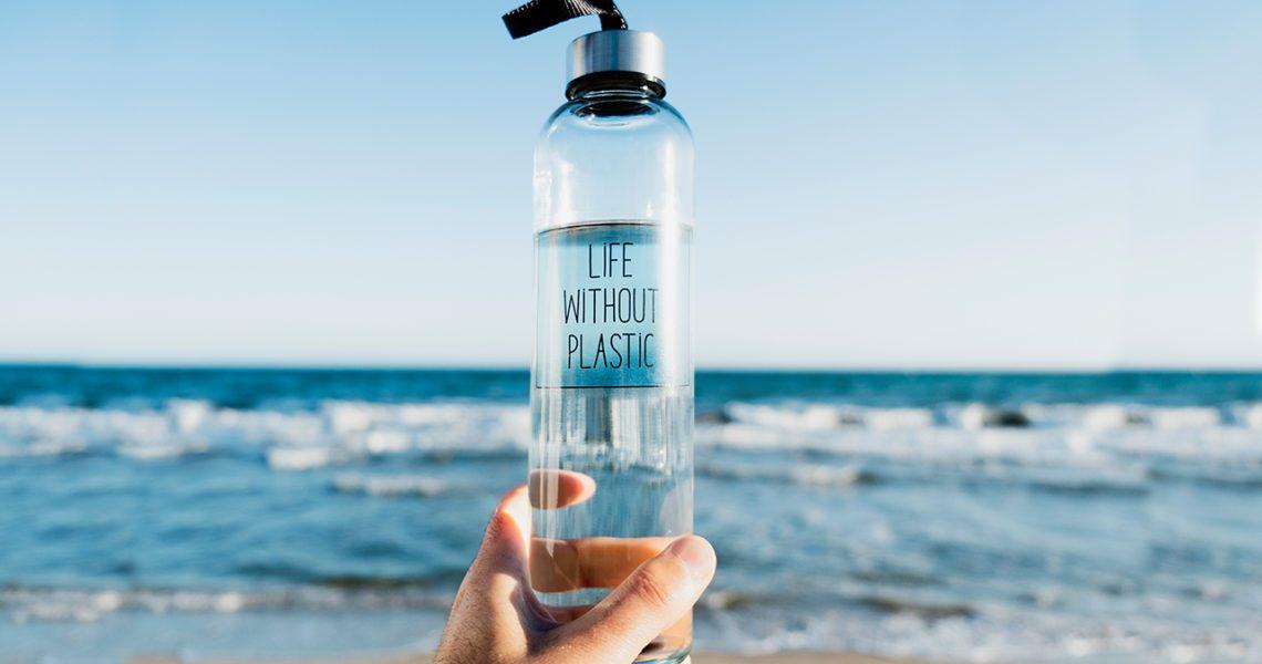 Botella reutilizable y agua del grifo, la mejor opción para el planeta