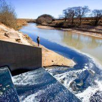 ¿Qué sectores tienen un impacto crítico en el agua a nivel mundial?