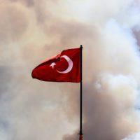 Los incendios tejen un infierno de humo y llamas en Turquía