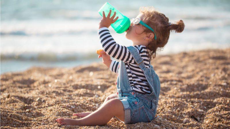 Hidratarse bien toda la vida reduce el riesgo coronario