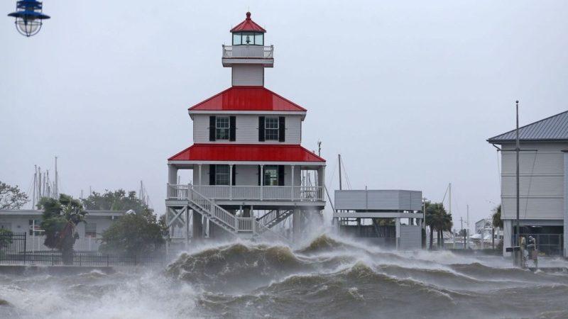 La fuerza del huracán Ida revirtió el flujo del río Misisipi
