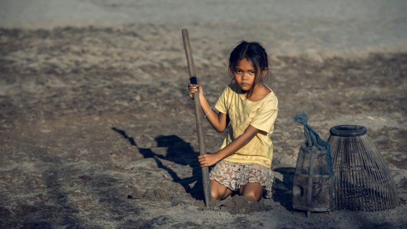 La mitad de los niños del mundo viven en países de muy alto riesgo climático