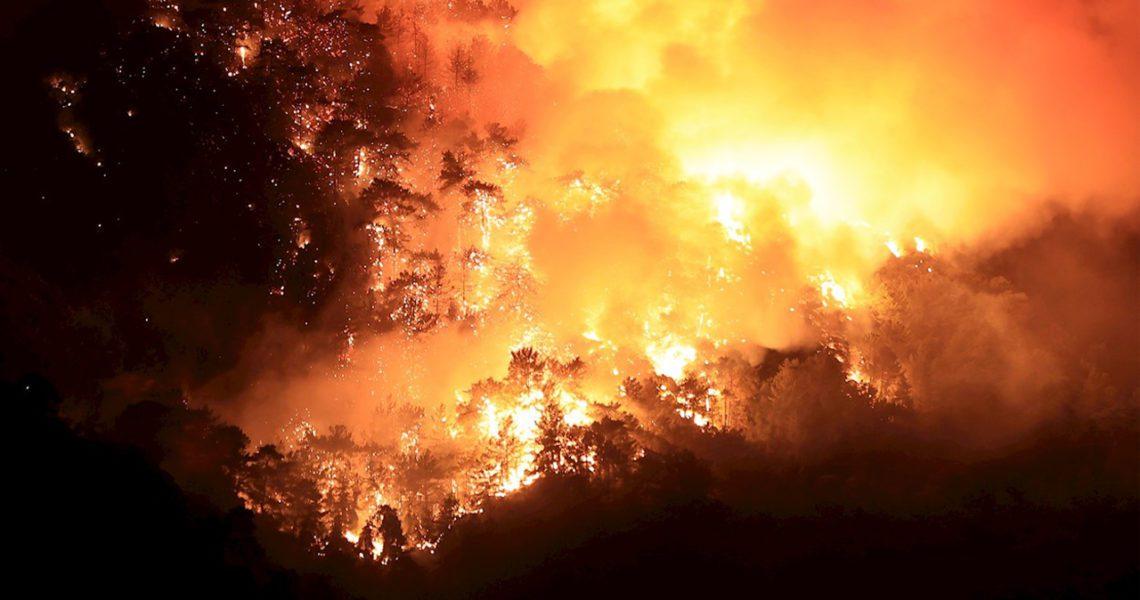 Una ola de incendios devasta Turquía