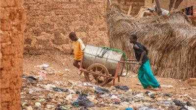 Cambio climático y terrorismo arrasan el agua en Burkina Faso