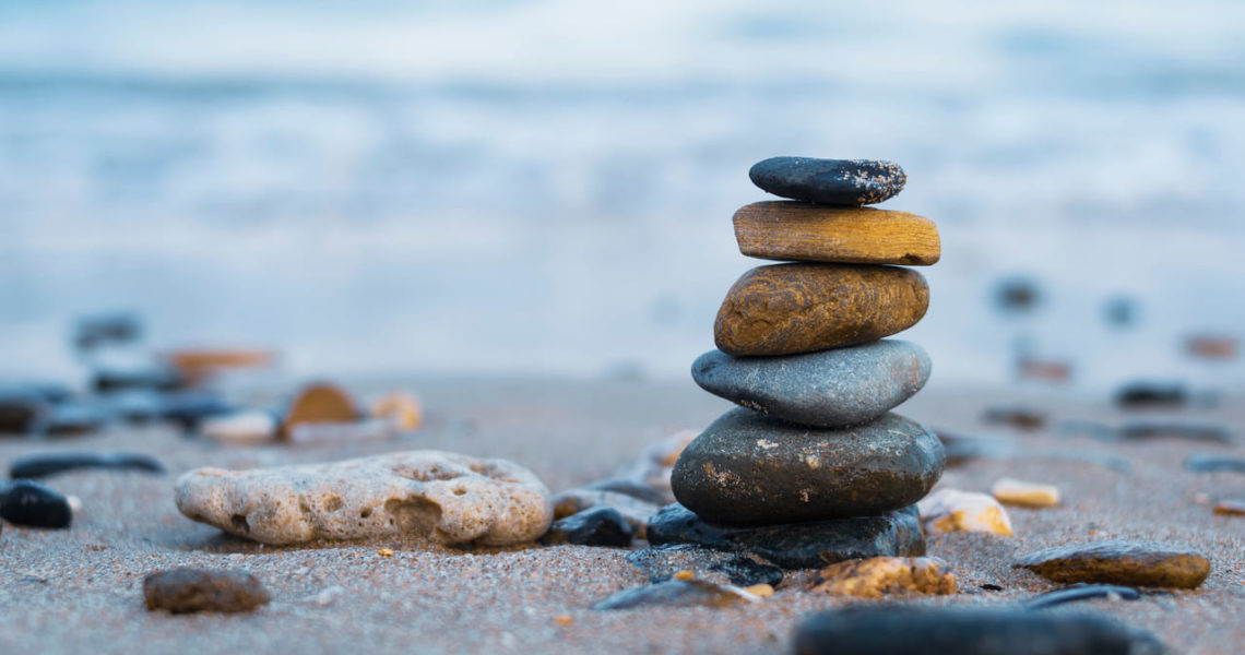 ¿Sabías cómo se forman las piedras zen en la naturaleza?