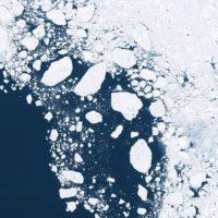 Se abre una grieta gigante en el último bastión de hielo ártico